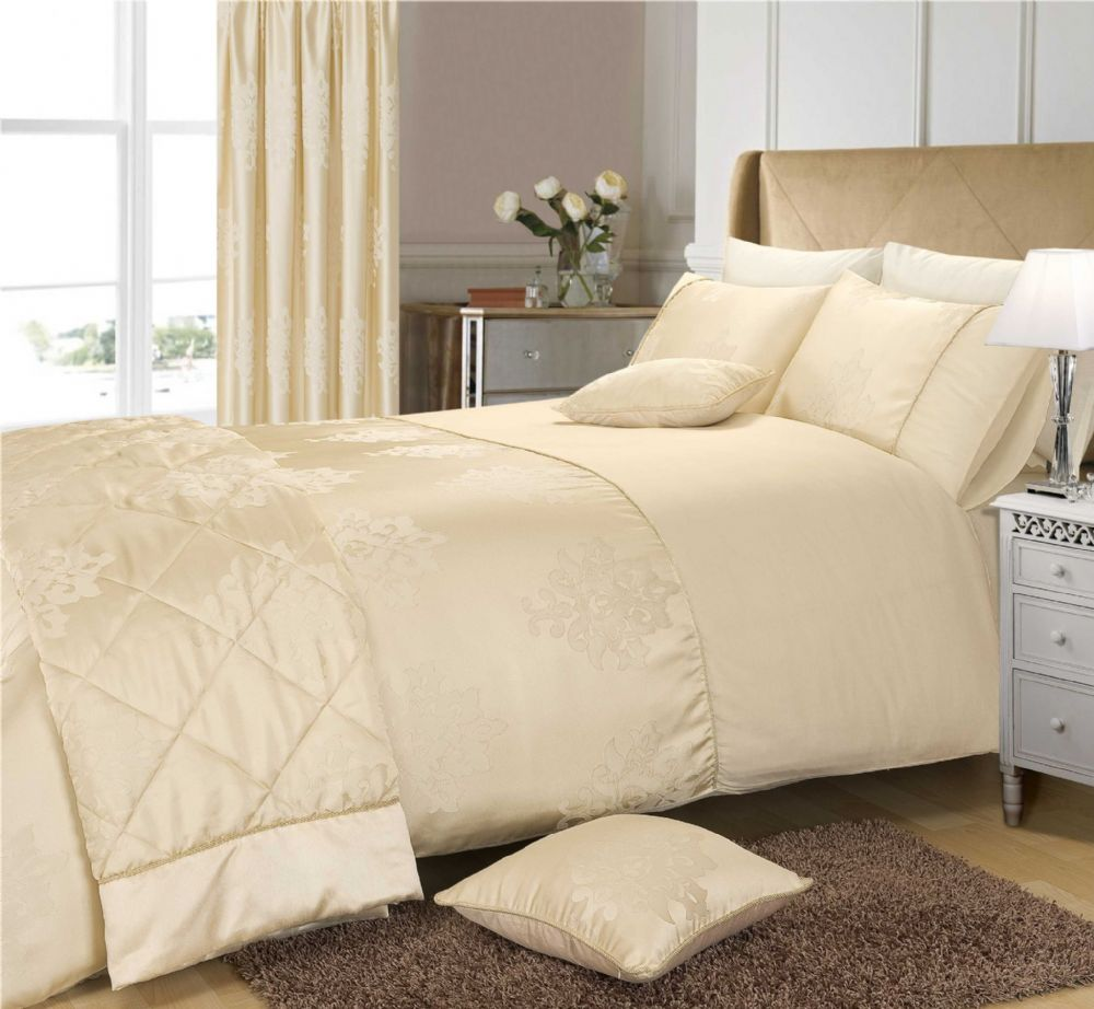 Beautiful CREAM COLOUR STYLISH FLORAL JACQUARD DAMASK DUVET COVER LUXURY BEAUTIFUL  DESIGNER GLAMOUR BEDDING